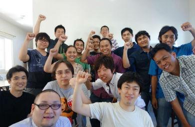 フィリピン人エンジニアと日本人のディスカッション