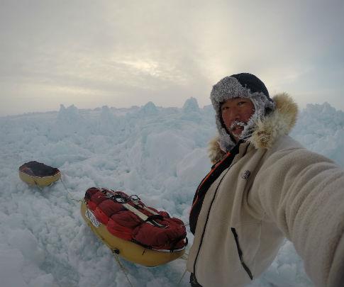 北極単独歩行